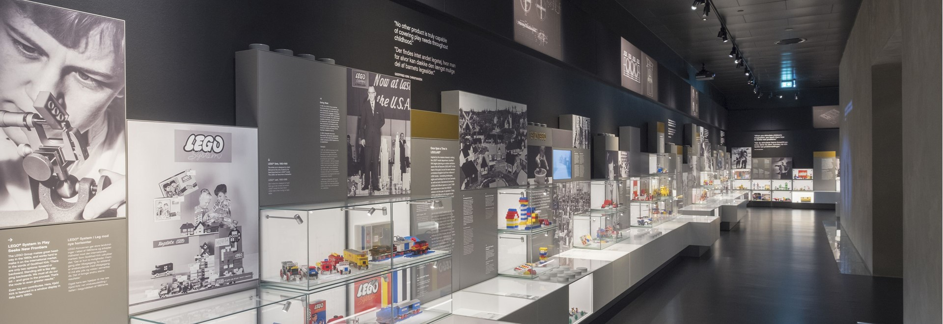 Virtual tours in History Collection - The official LEGO museum